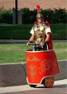 Romeins soldaat op segway